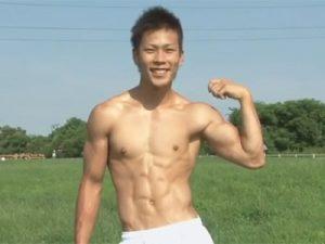【ゲイ動画ビデオ】可愛い顔して激ヤバ筋肉ボディの木村徹平クンが処女アナルを解禁!肉棒でケツマンを犯されて気持ち良く喘ぎまくる!