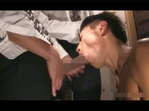 【ゲイ動画ビデオ】2人のフトマラサラリーマンのチンポをおしゃぶりご奉仕して騎乗位で根本までケツマンにぶち込むケツワレのウケ!