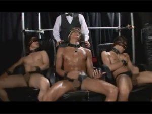 【ゲイ動画ビデオ】ノンケの金に困った若者や社会不適合者を調教して剛体市場という闇オークションにかけられる野郎ども!