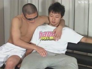 【ゲイ動画】19歳のノンケ素人が男のテクにメロメロ…アナル、金玉、竿をねっとり舐められてローション手コキで甘い声を出し射精!
