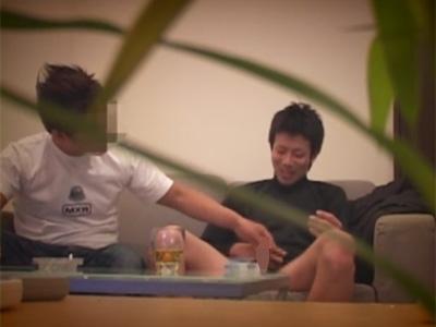 【ゲイ動画】ノンケを釣るためにノンケ向けAVの男優を募集…ノコノコやって来た女好き男のチンポをつまみ食いするホモ面接官!