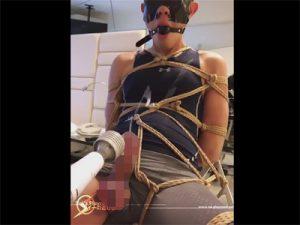 【Twitterゲイ動画】縄コックリング&後ろ手に縛られたM男がウラスジを電マ刺激されてチンポを躍動させザーメン種を放出!