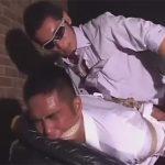 【ゲイ動画】イカニモ系中年サラリーマンがゴーグルマンに扮した真崎航のチンポをしゃぶり縛られハメられながらローソク責め!