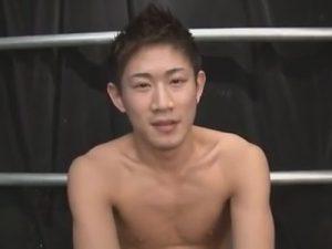 【ゲイ動画】スジ筋の爽やかなイケメンとジャニーズ系イケメン2人が目隠しされたままアナルセックスでガン掘られ!