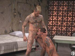 【無修正ゲイ動画】強烈イラマチオからのハードピストンで汗だく&咆哮ケツマンセックスで気持ち良くなるタトゥー外人!