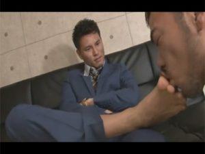 【ゲイ動画ビデオ】枕営業で仕事を取るイケメンリーマン!今日は接待の日で得意先のM男に足を舐められてケツ穴をガン掘りする!