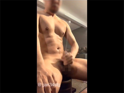 【Twitterゲイ動画】お風呂で汗を流すついでにチンポ汁も流す!摩擦強めのオナニーでビュンビュン精子が飛ぶ!