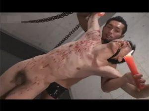 【ゲイ動画ビデオ】細身のイケメンが緊縛された状態でSMプレイで陵辱をされることになる!