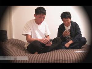 【ゲイ動画ビデオ】Hなエステ師の2人がベッドの上で照れながらアナルセックスをしあって快楽におぼれあうことになる!